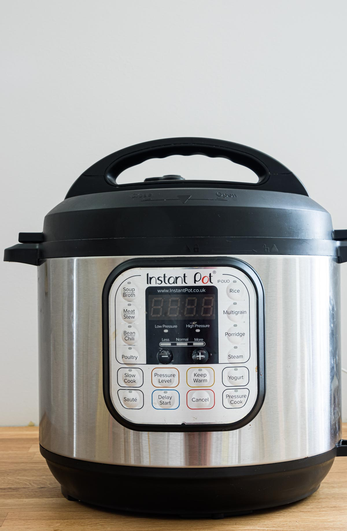 the front instant pot buttons and settings